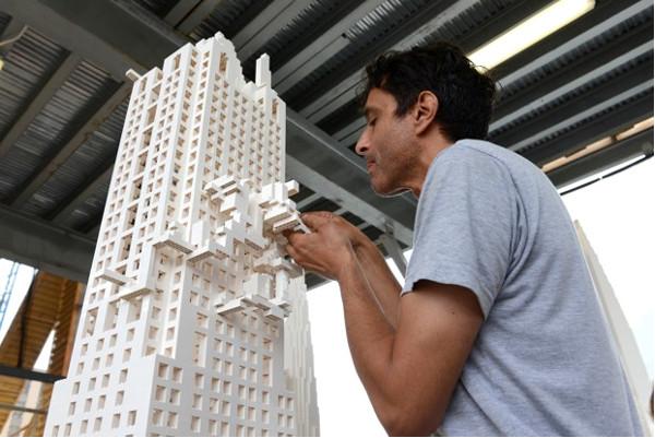 """Πηγή φωτογραφίας: citylab.com. Olafur Eliasson, """"The collectivity project,"""" 2015.(Timothy Schenck/Friends of the High Line)"""