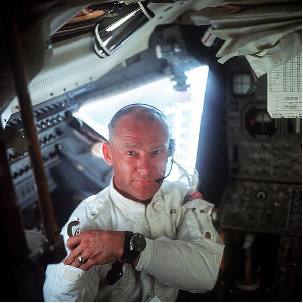 Πηγή φωτογραφίας: creativecommons, http://spaceflight.nasa.gov/gallery/images/apollo/apollo11/hires/as11_36_5390.jpg Τη φωτογραφία τράβηξε ο Neil Armstrong
